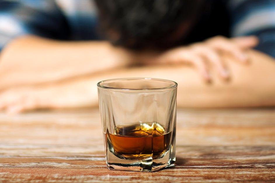 خطرات ویروس کرونا برای مصرف کنندگان الکل