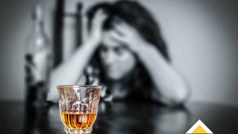 نوشیدن الکل بر سلامت زنان چه تاثیری دارد
