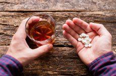 زاناکس و الکل